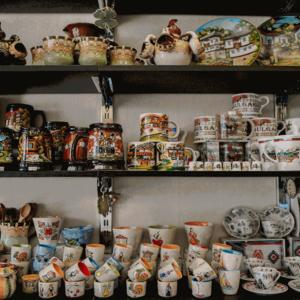 Магазин Balkanik за традиционни сувенири във Варна