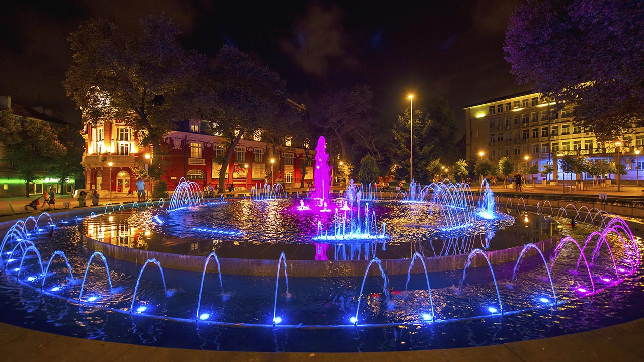 Пеещите фонтани във Варна