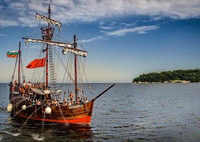 Пинта кораб във Варна