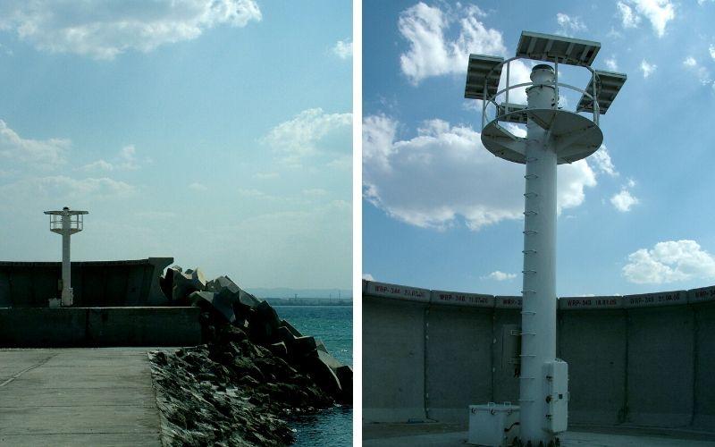 """Входната светлина на кея на корабостроителницата и """"японският"""" фар на пристанище Бургас© Бела Бенова, Септември 2007"""