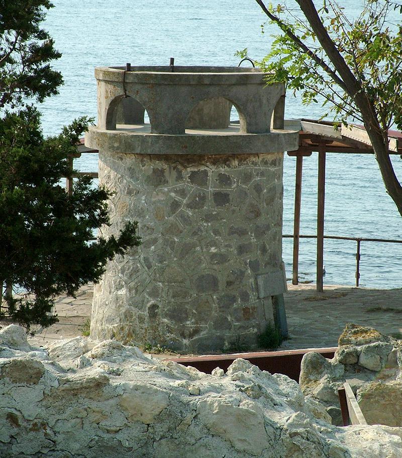 Старата фарова кула на Несебер © Бела Бенова, Август 2007